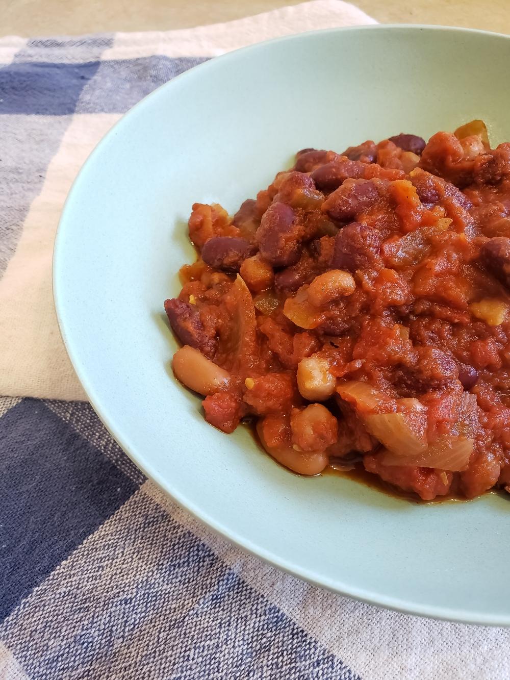 Fork & Fantasy - Slow Cooker Vegetarian Chili 1