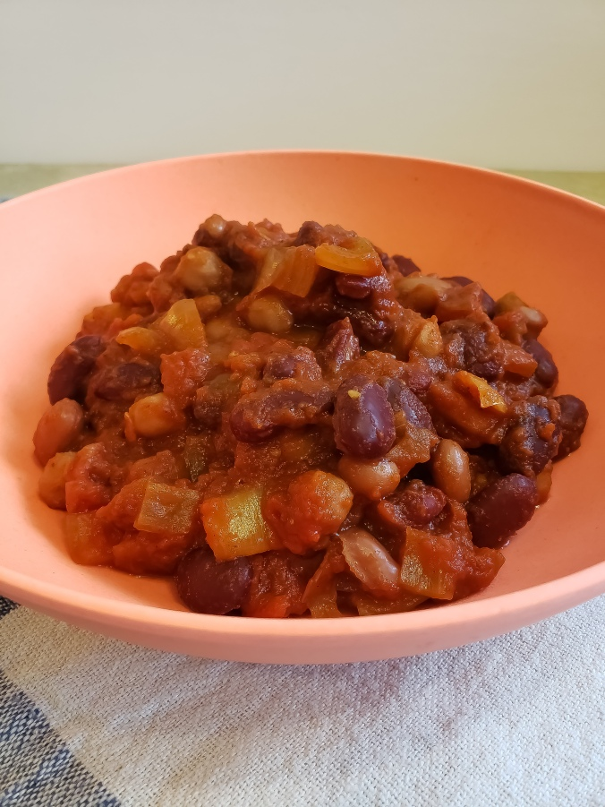 Fork & Fantasy - Slow Cooker Vegetarian Chili